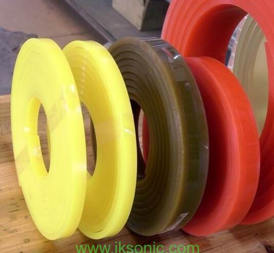 IKSONIC manufacture customized designed polyurethane seal ring wave gasket for pump spare parts