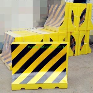 Plastic road traffic barrier filled water barriers safety yellow black color band