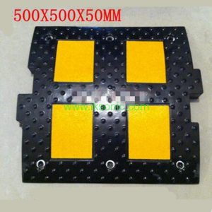 Rubber Plastic reflective Speed Breaker Street Road Security manufacturer