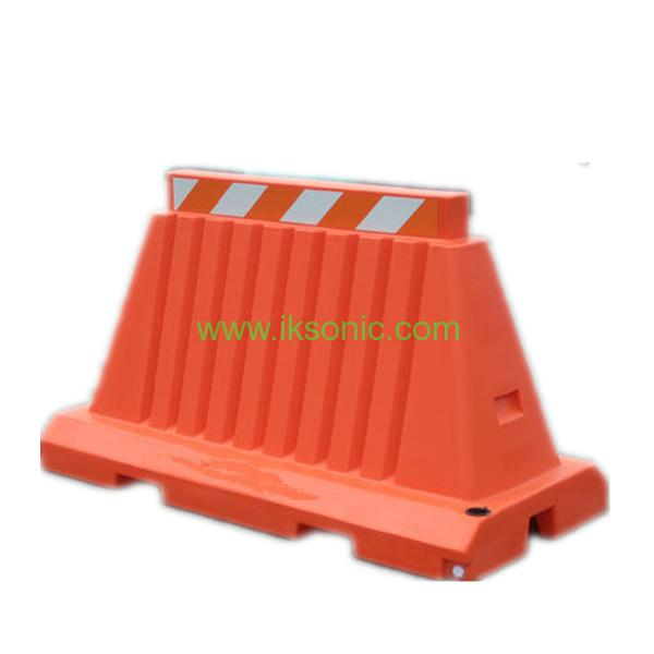 Rubber Water Barrier : Yellow black plastic water barrier road traffic safety
