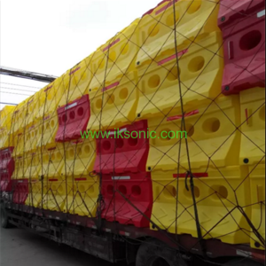 Supply three holes plastic water filled water barrier