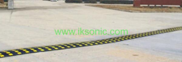 china manufacturer 50mm width long speed bump traffic safety rubber yellow